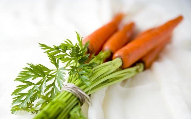 """5 idei pentru o bucătărie mai """"verde"""""""