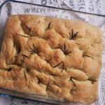 Mâncarea în vremea COVID: Focaccia în tavă