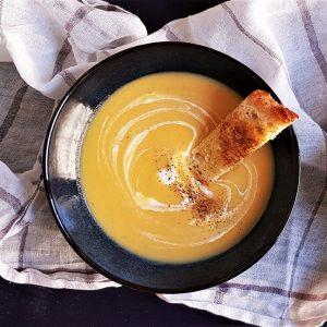 Supă cremă de rădăcinoase