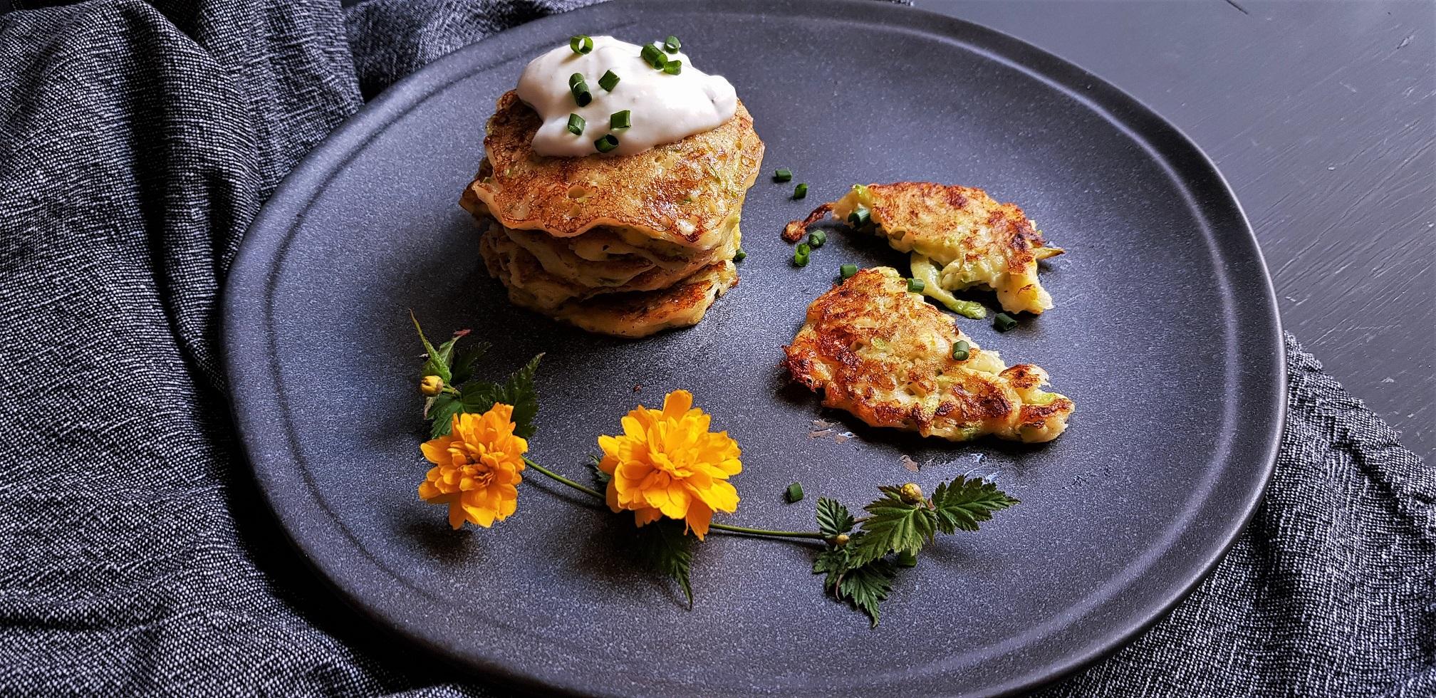 Mâncarea în vremea COVID: Fritters din dovlecei și brânză